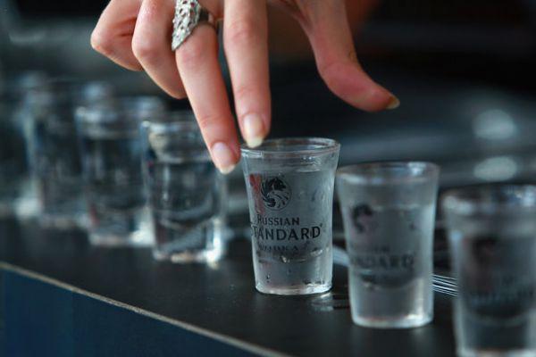 La vodka fait grossir ? Quels sont vraiment les effets de
